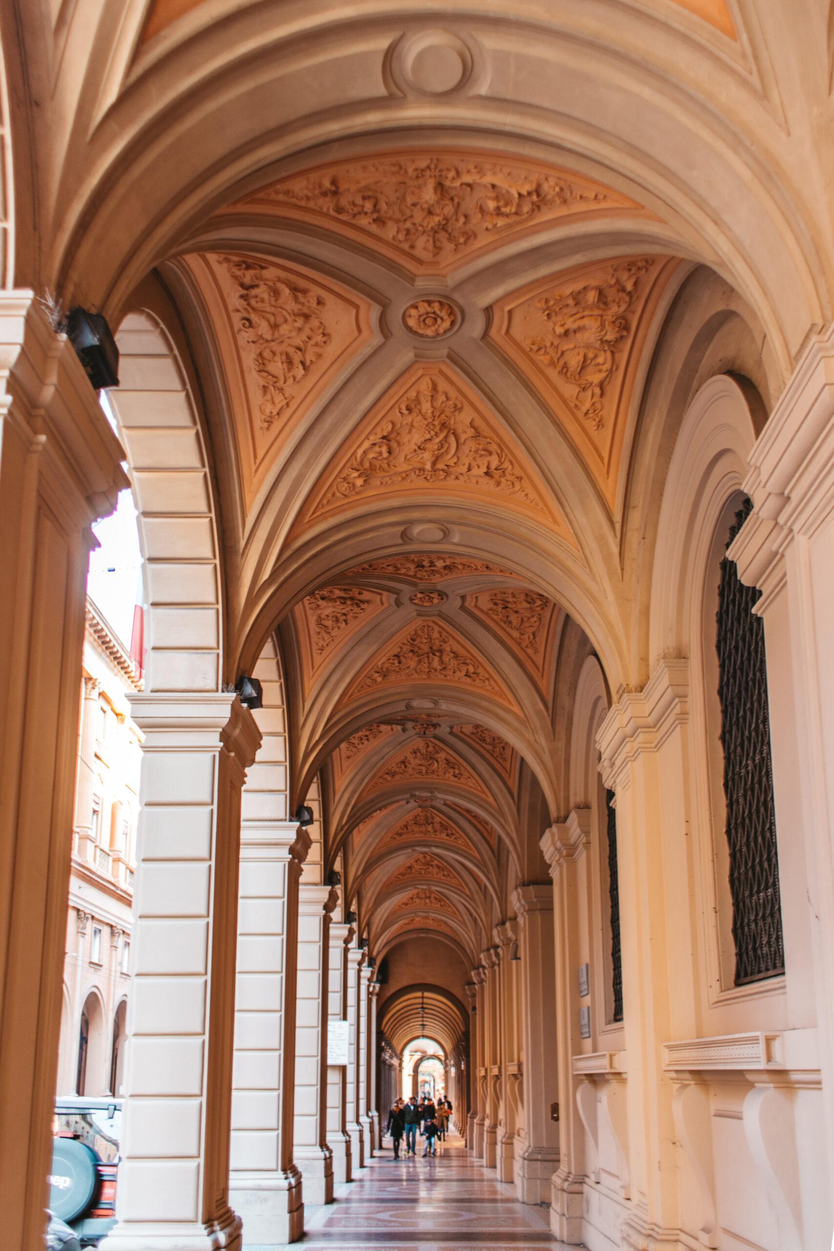 Porticoes of Bologna Italy Bolonia Włochy portyki architektura podcienie