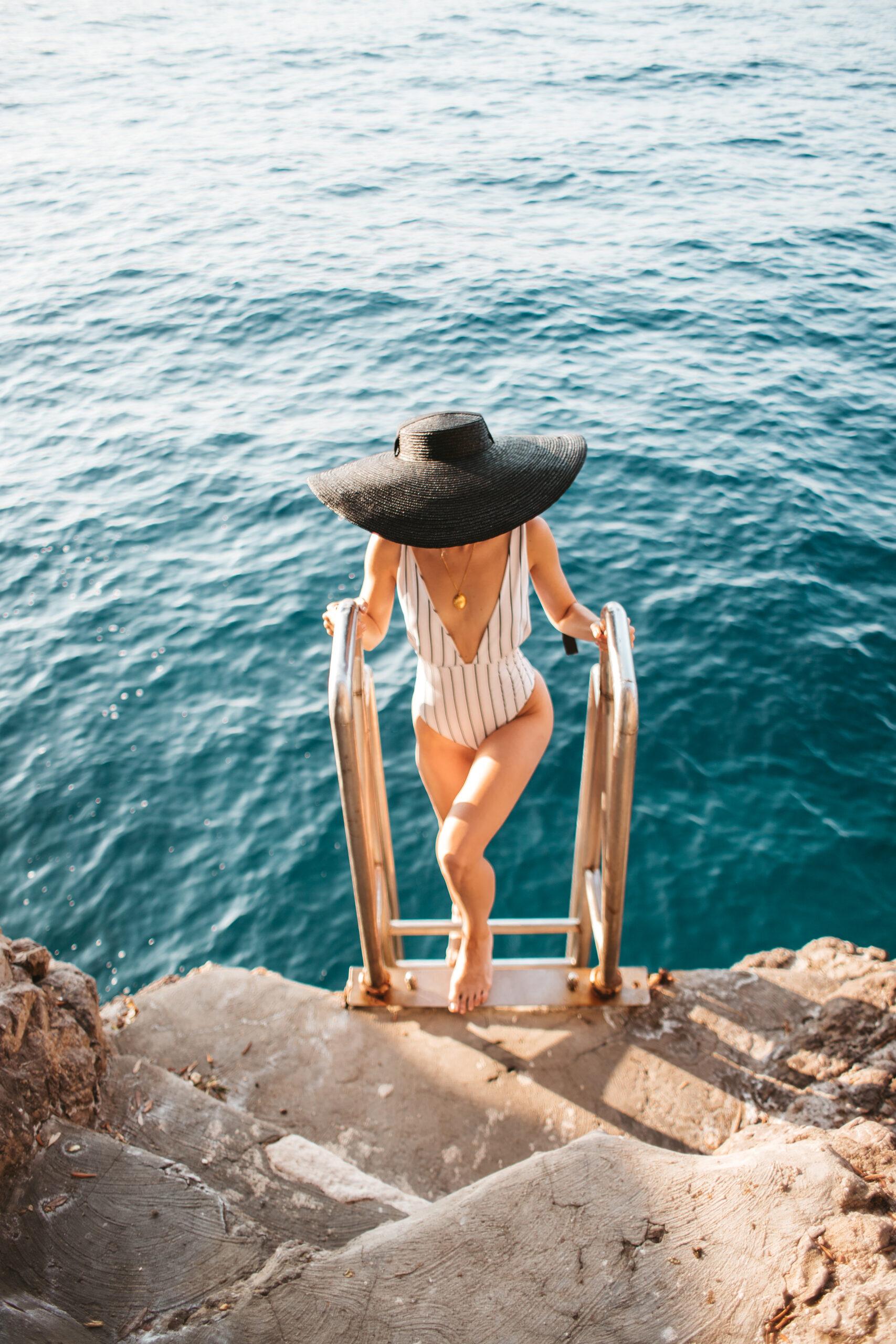 Positano hotel, Praiano hotel, positano booking, hotel z prywatną plażą, klif, morze, Amalfi Coast, Włochy, Wybrzeże Amalfi, Amalfi b&b, Positano b&b