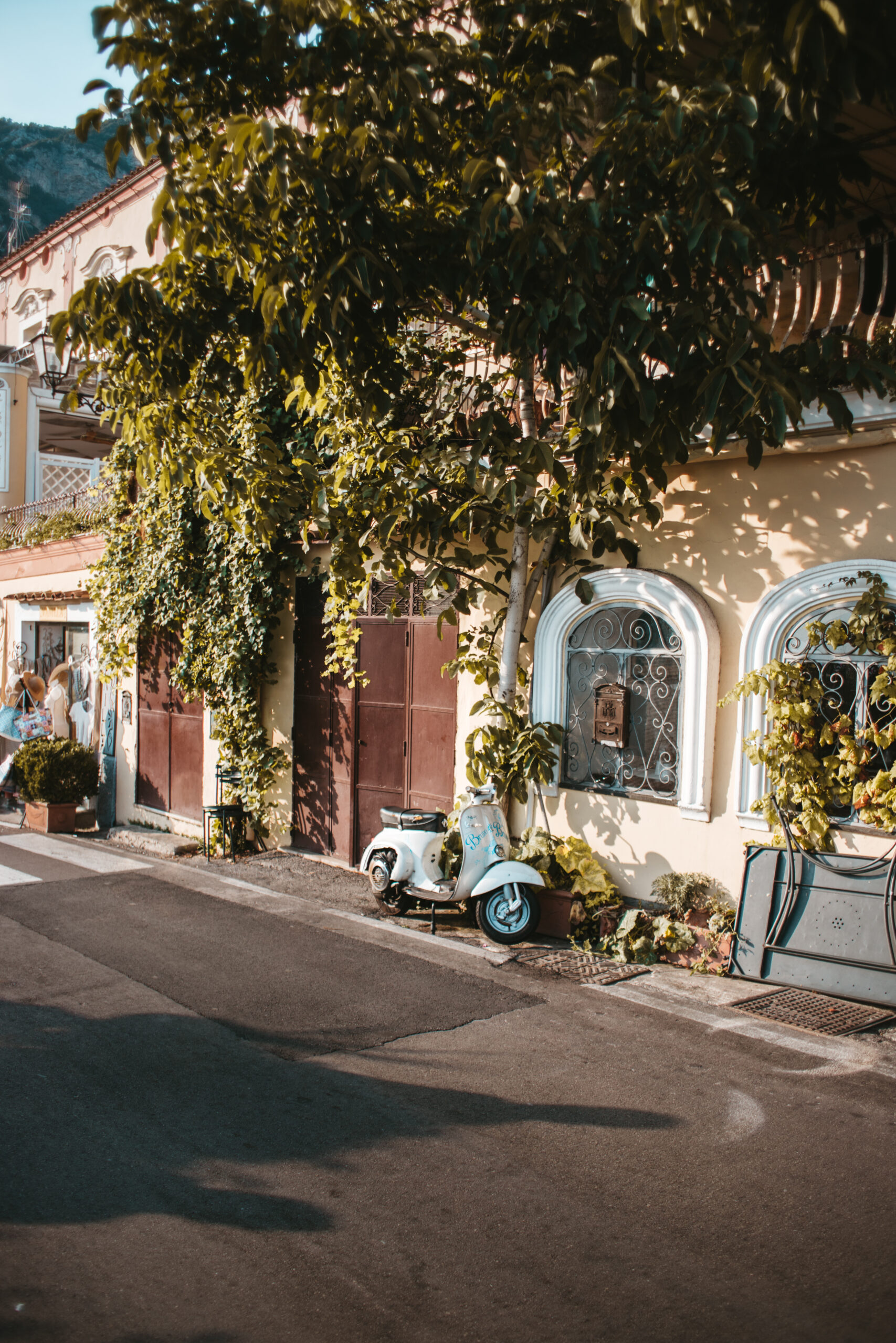 Positano uliczka, motor, domek, wybrzeże Amalfi, Amalfi Coast Italy
