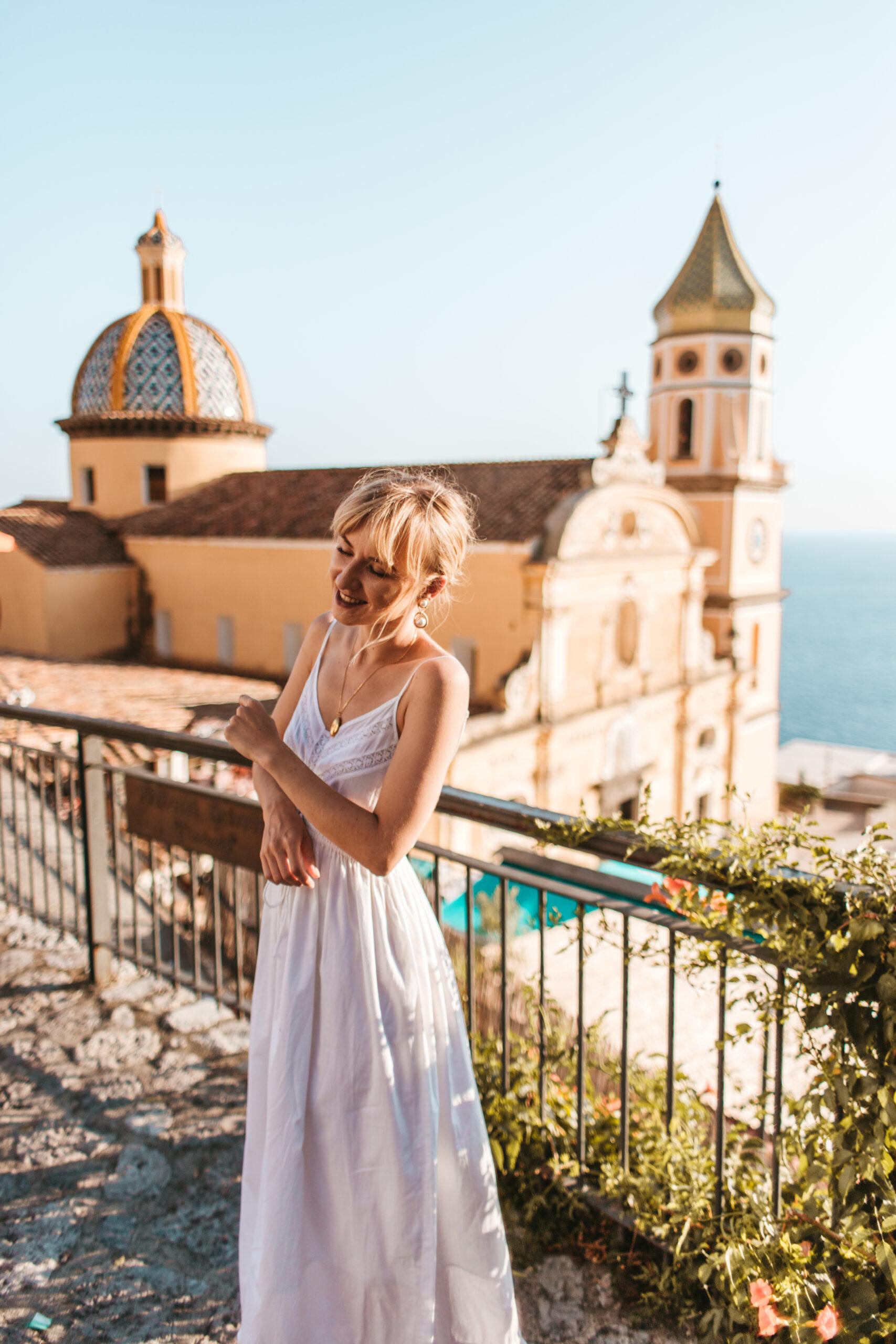 italy what to wear, amalfi coast, blog, positano, praiano church, Wybrzeże Amalfitańskie