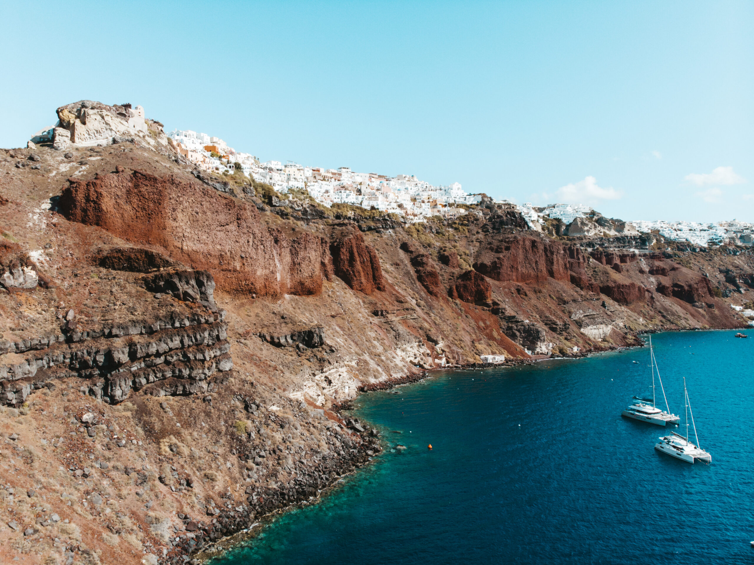 Oia from drone, Santorini z drona, Ammoudi bay, caldera, kaldera