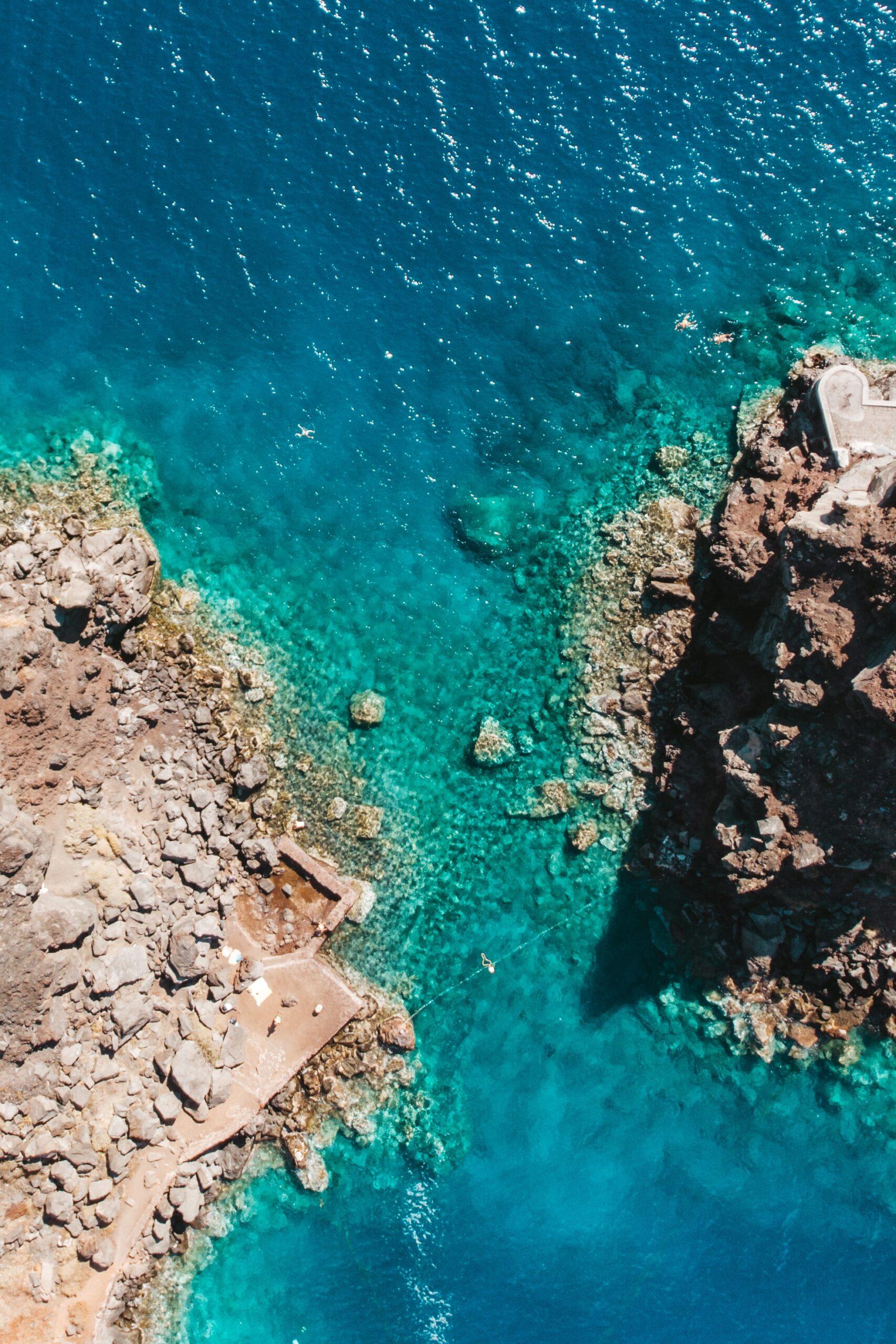 Agios Nikolaos o Peramataris, caldera Oia, kaldera Santorini, water, sea, Agios Nikolaos island, wyspa Agios Nikolaos