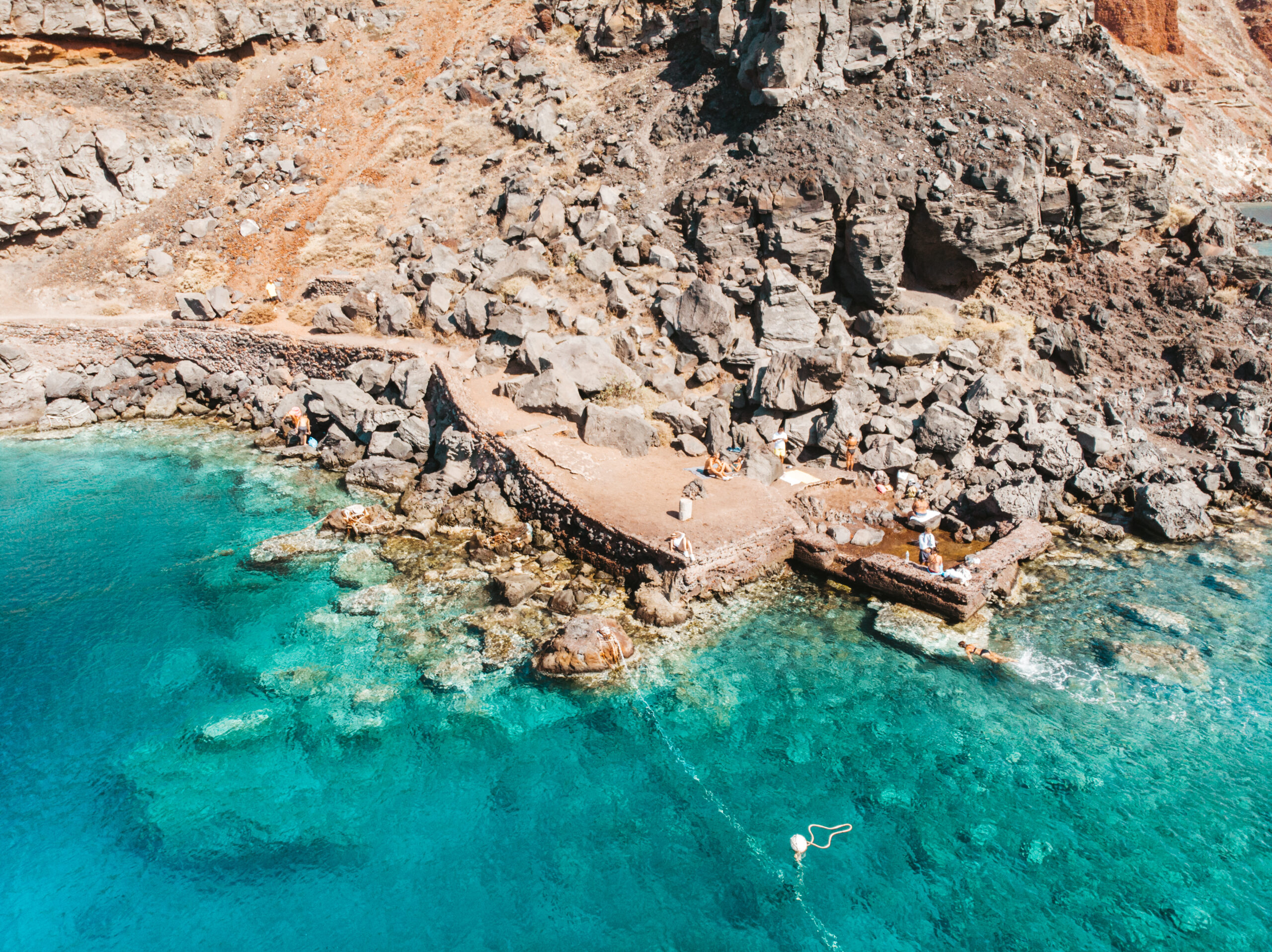 Santorini beach, plaże na santorini, Ammoudi bay beach, plaża w pobliżu Oia