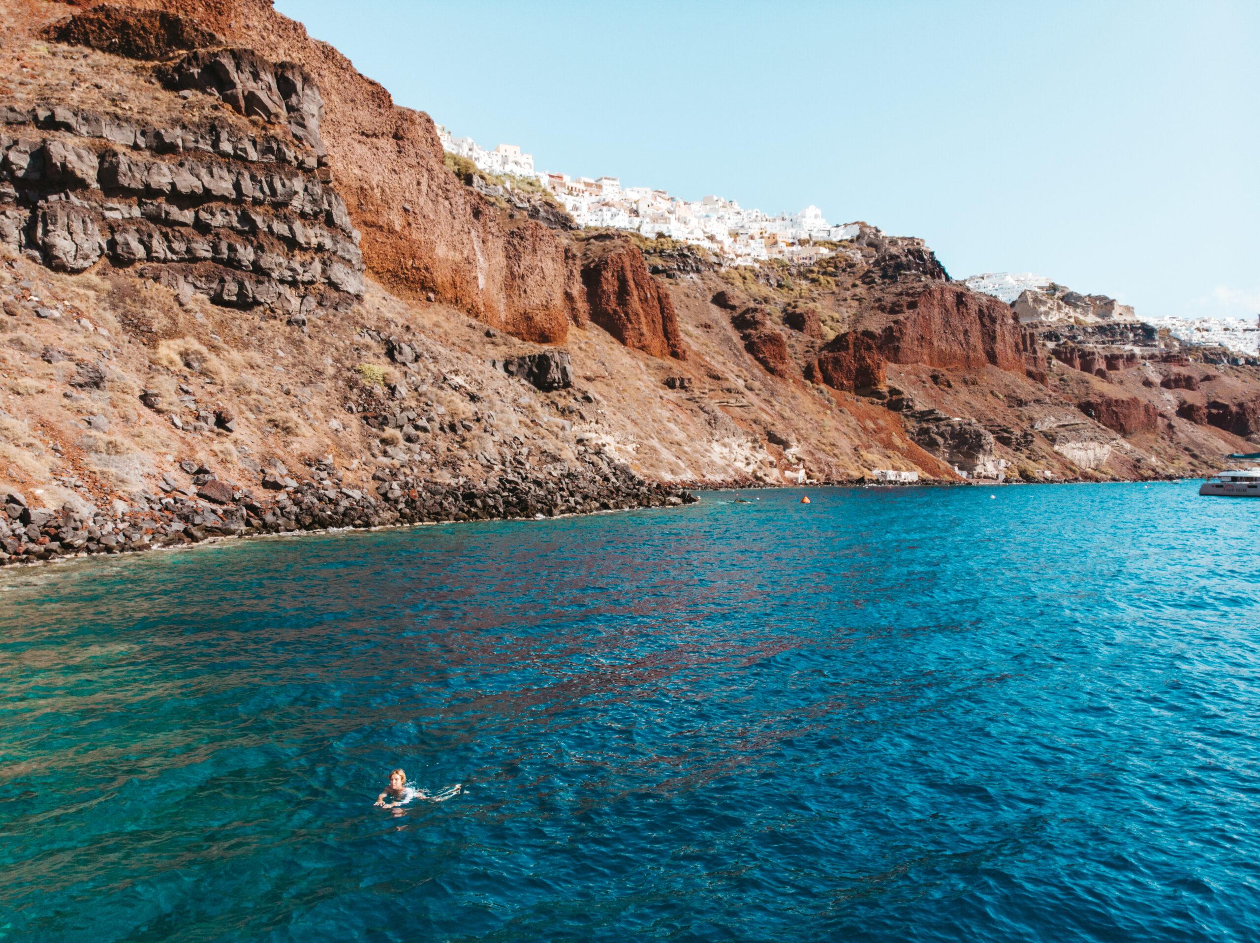 Oia Santorini plaża, Ammoudi bay, caldera, kaldera, pływanie w kalderze na Santorini
