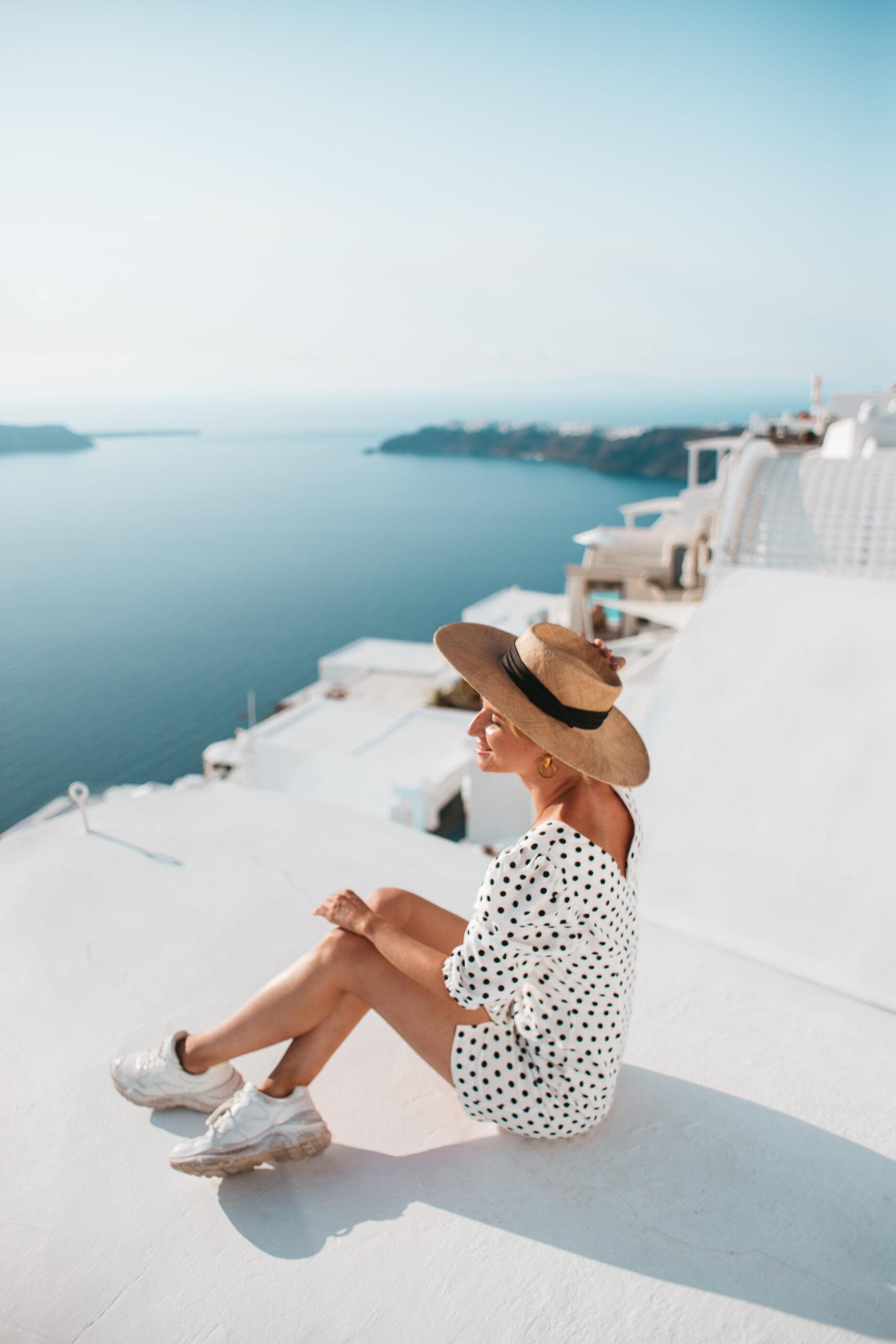 Santorini Grecja, punkt widokowy, kaldera, białe domki, blogerka podróżnicza, Imerovigli