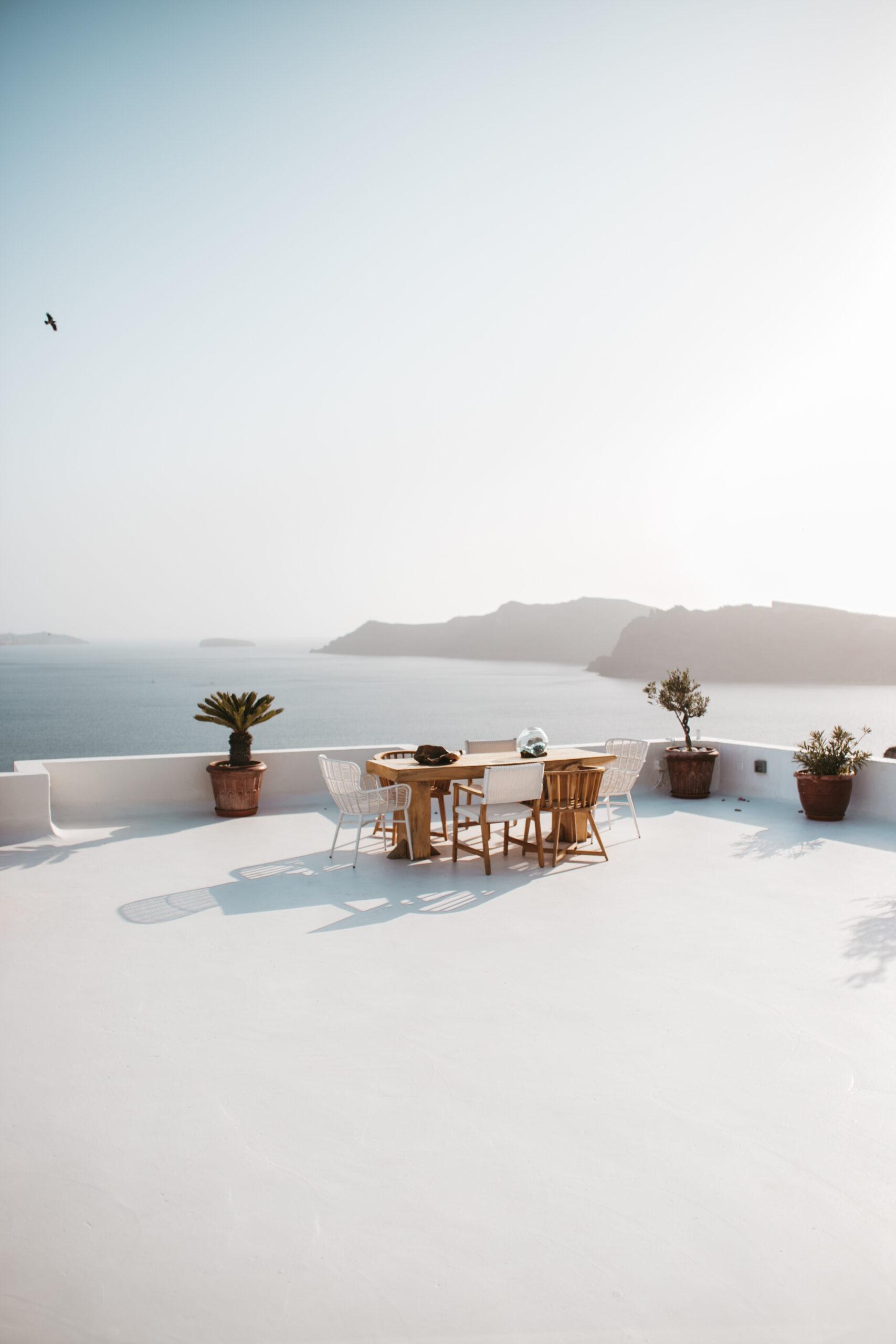 Oia Santorini hotel kaldera caldera, dizajnerski hotel, aranżacja, biały dom