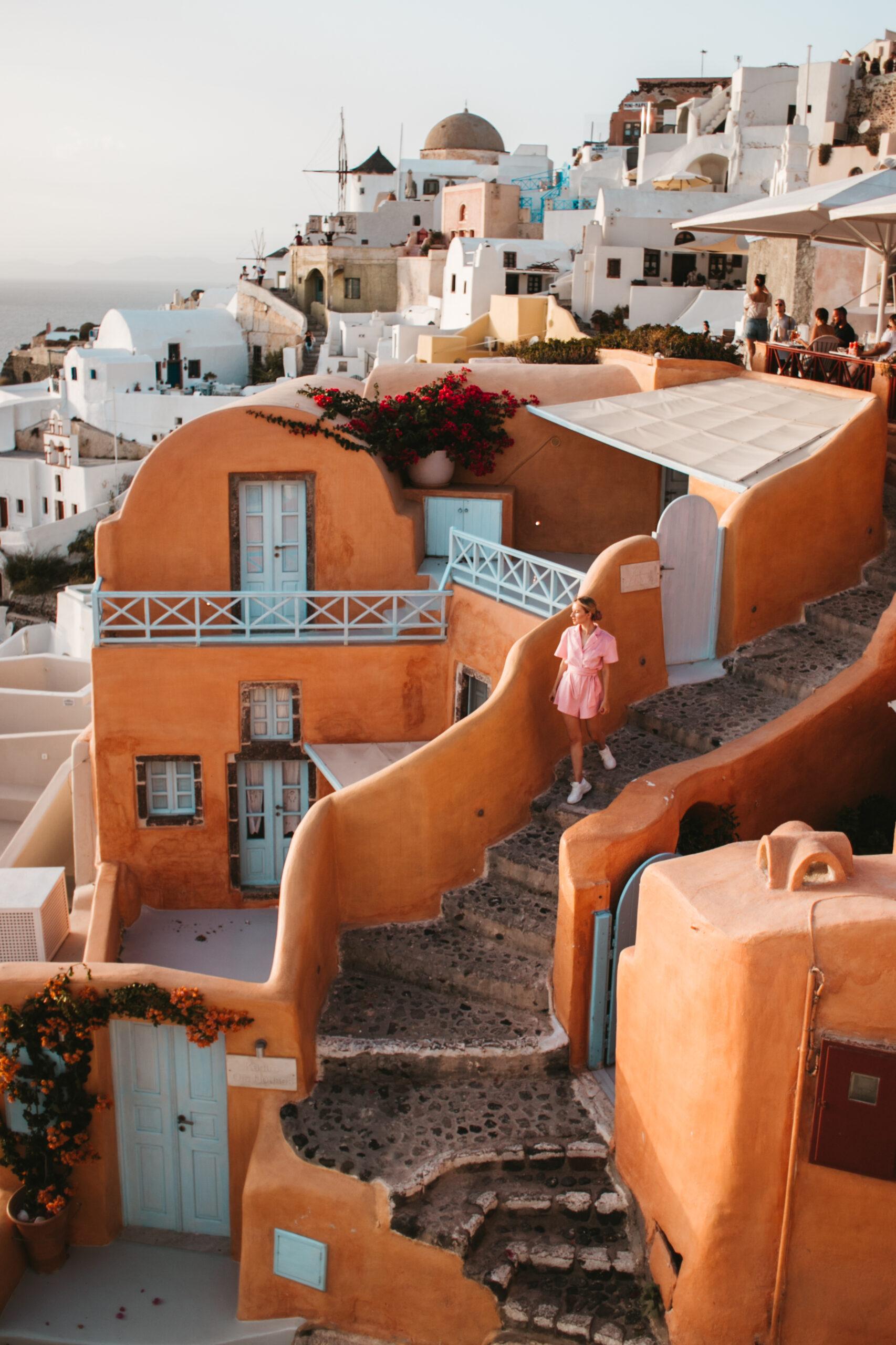 Kastro hotel Oia, sunset in Oia, zachód słońca w Oia Santorini